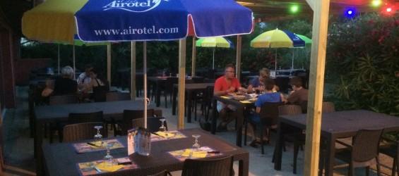 camping carcassonne restaurant