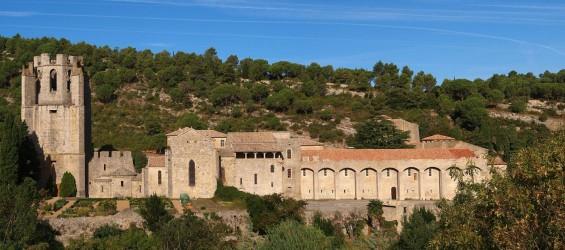 Panorama_lagrasse_abbaye